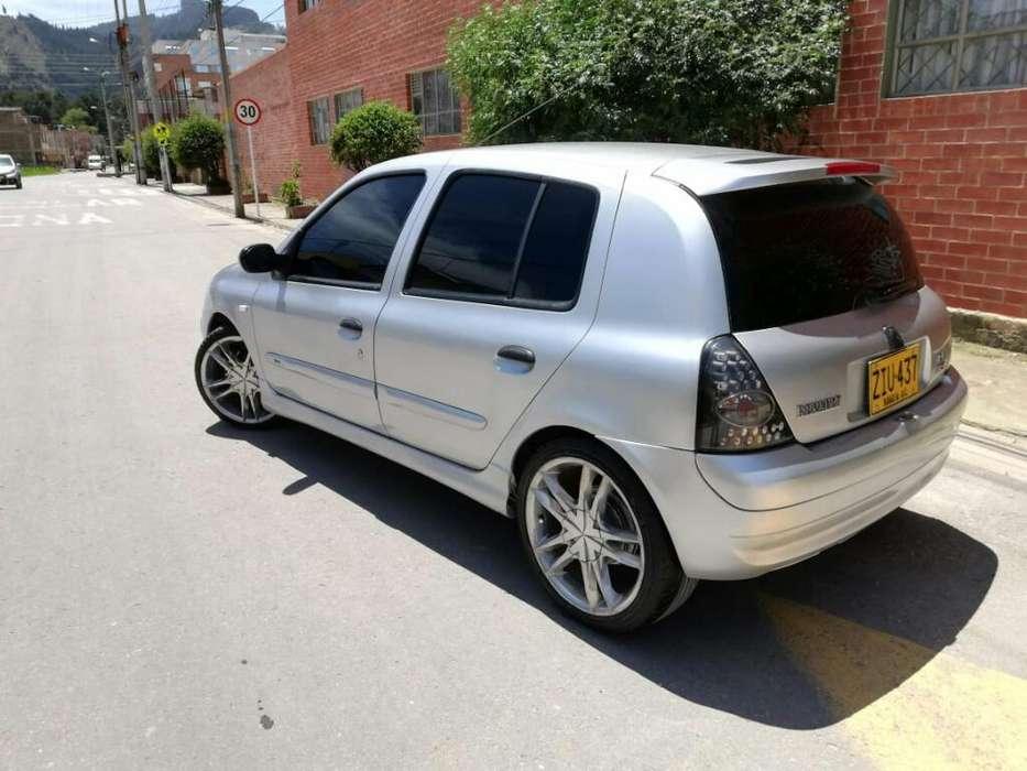 Renault Clio  2004 - 154 km