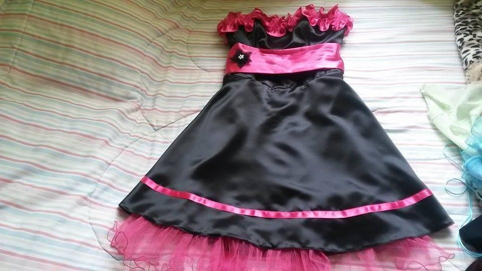 vestido seminuevo color fuscia con negro
