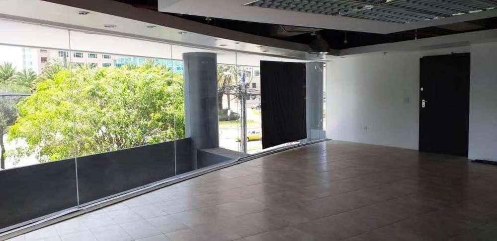 C/Orellana!! Hermosa oficina de 90M2 en arriendo!! Edificio corporativo!!