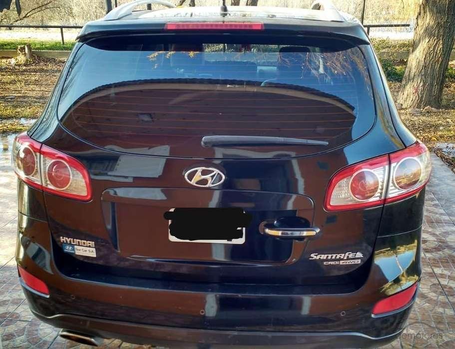 Hyundai Santa Fe 2010 - 179000 km