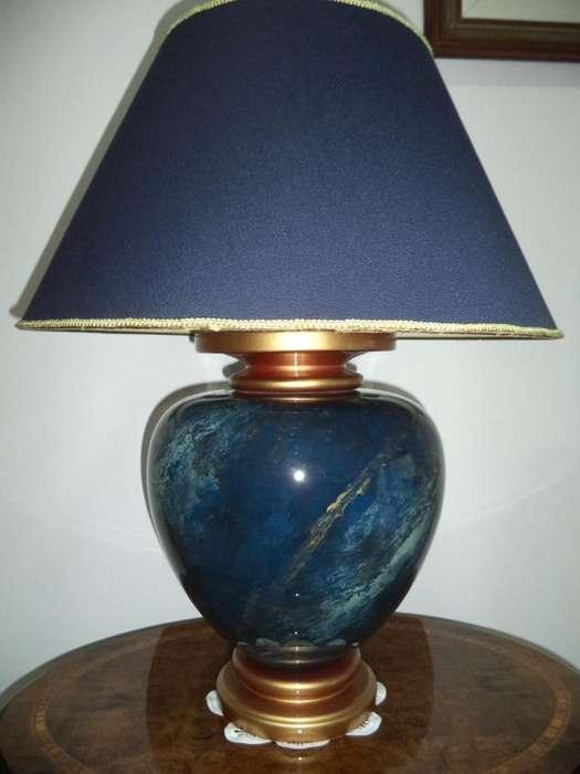 Importante lámpara de lapislázuli