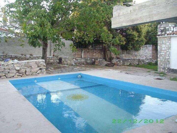 qe89 - Departamento para 1 a 4 personas con pileta y cochera en Villa Carlos Paz