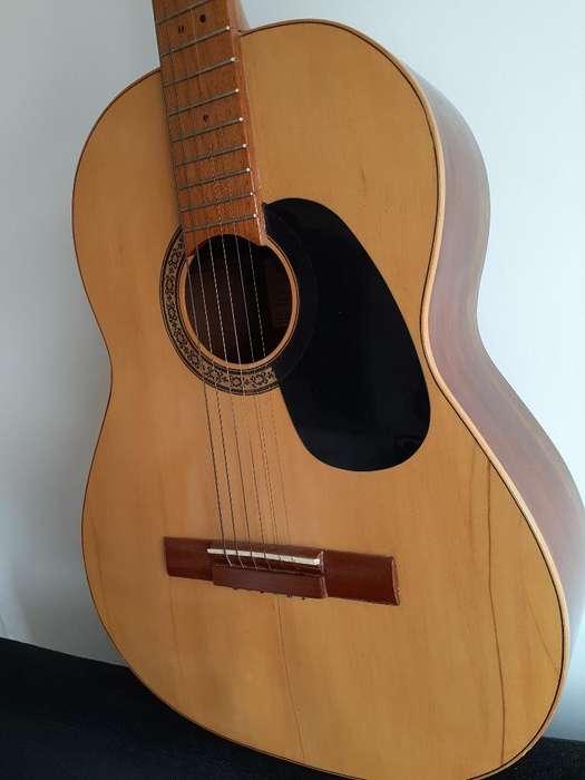 Guitarra Acústica. Cuerdas Acero
