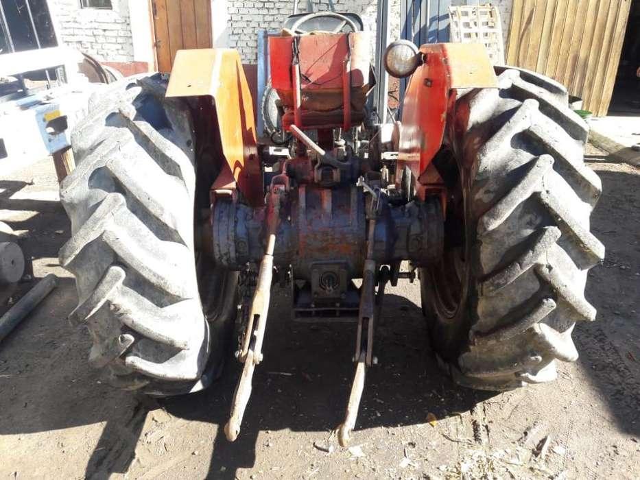Vendo Tractor Massey Andando