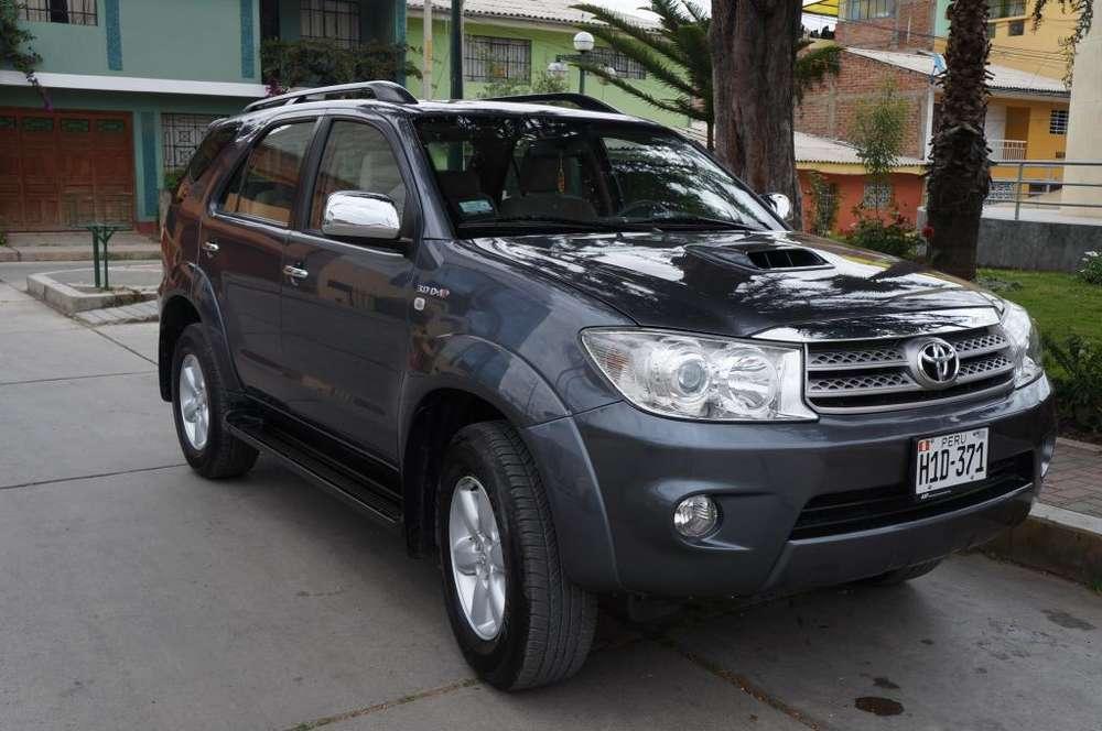 Toyota Fortuner 2010 - 58000 km