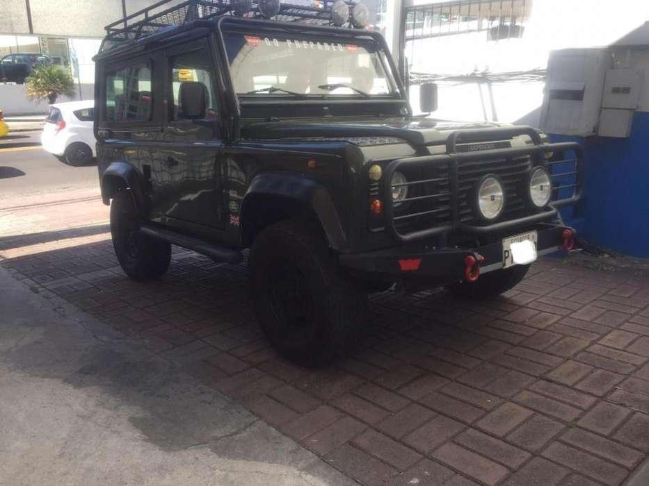 Land Rover Defender 1997 - 180000 km