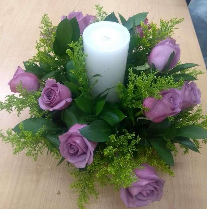 Arreglo Floral con Velón