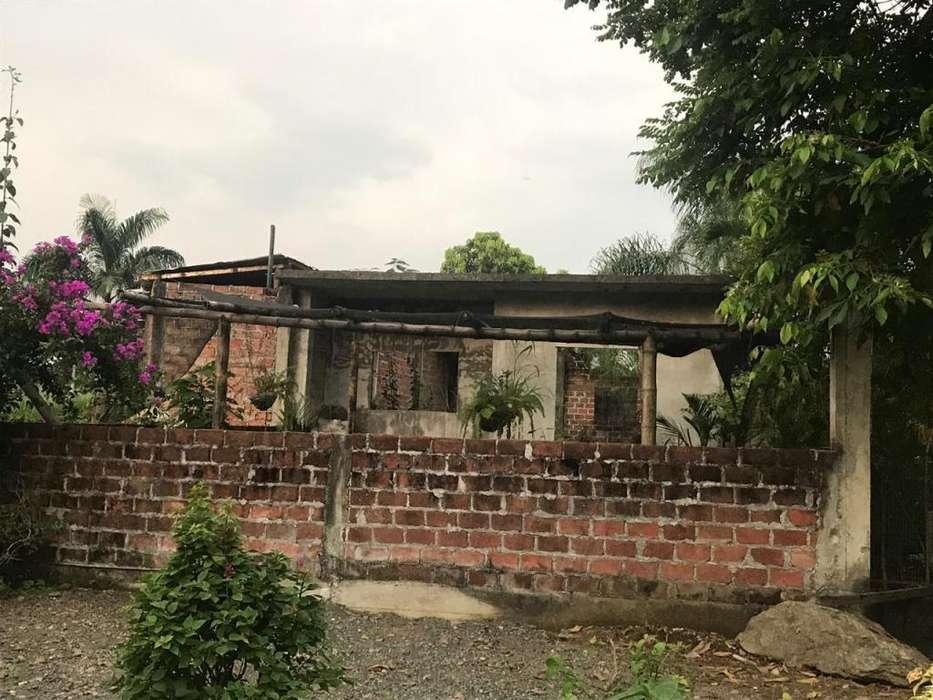 Venta de Solar con Construcción