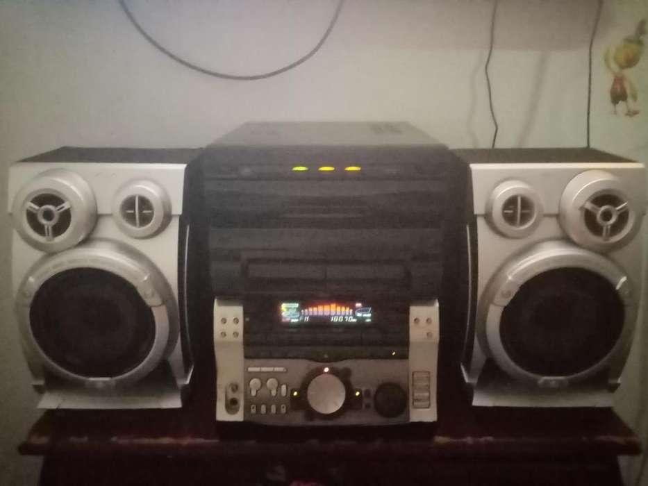 Equipo Sony 2000w