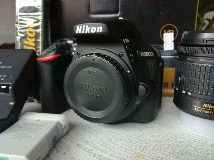 Nikon d5600 como nueva 18 55mm