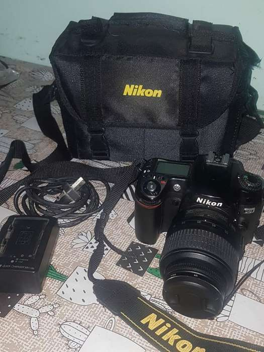 Camara Reflex Nikon D80