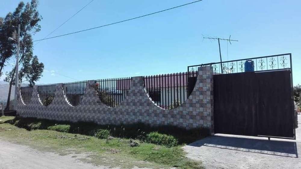 Casa en Venta Sector Belisario Quevedo a 200 metros de la ESPE LATACUNGA