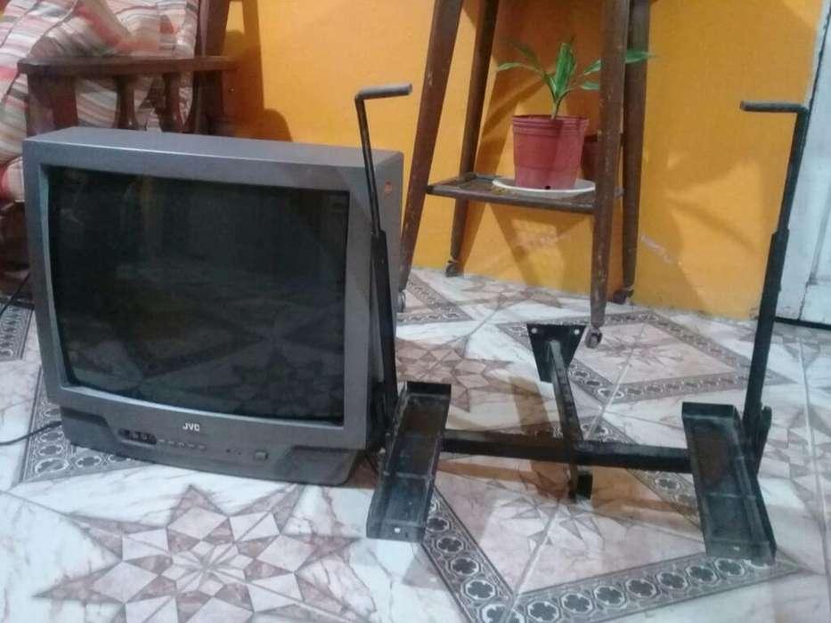 Vendo Televisor,soporte Y <strong>dvd</strong>