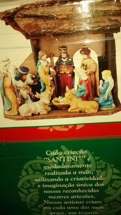 Super Gangazo!!!! Vendo Pesebre de Navidad Marca Santini Italy. 11 piezas con casa tipo Choza