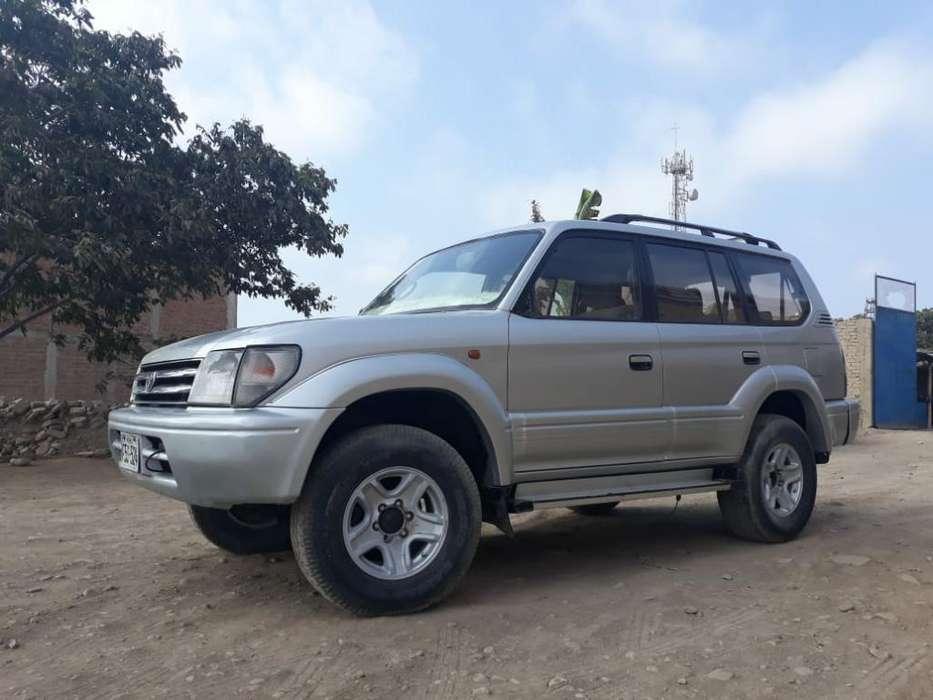 Toyota Land Cruiser 1999 - 140 km