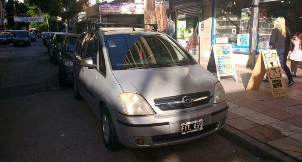 Chevrolet Meriva 2005 - 180000 km