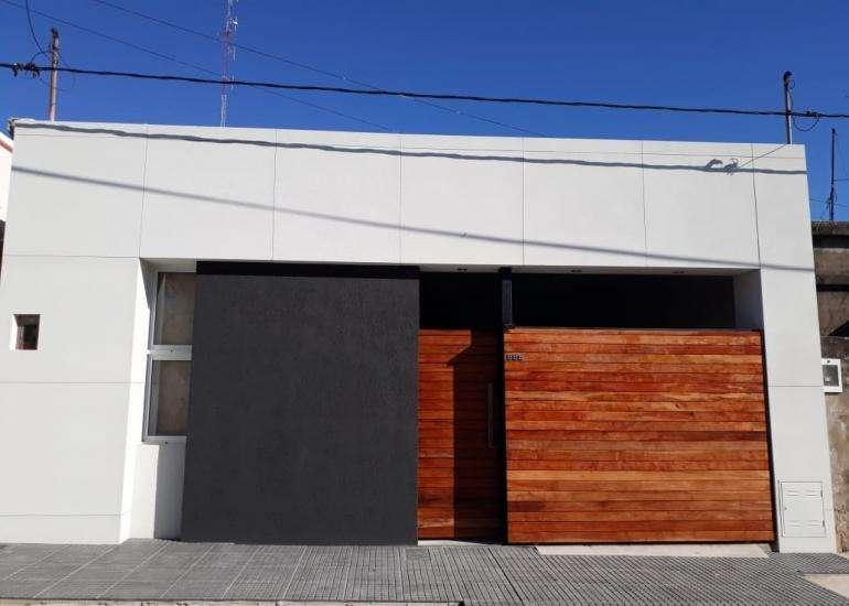 Casa a estrenar 2 dorm, 2 baños, patio, zona Hipodromo!