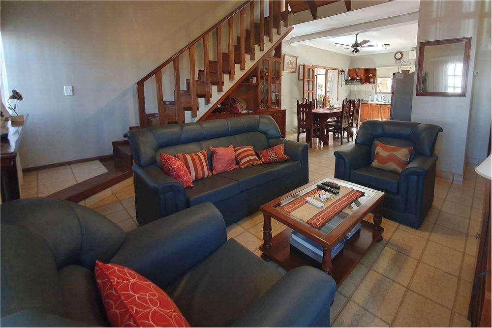 Casa de 4 dormitorios en venta Posadas Bª Palomar