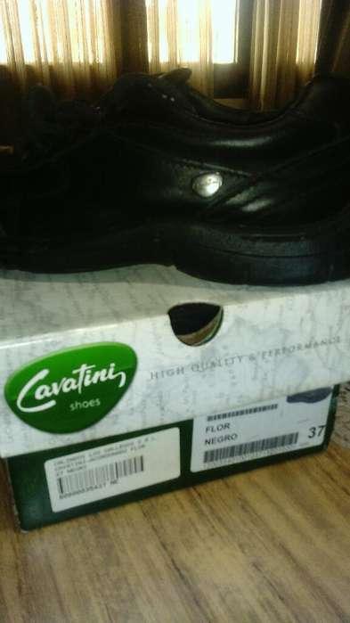 Vendo Zapatos Deportivos. Cavatini