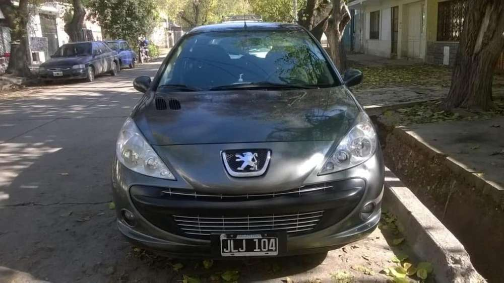 <strong>peugeot</strong> 207 2010 - 107000 km