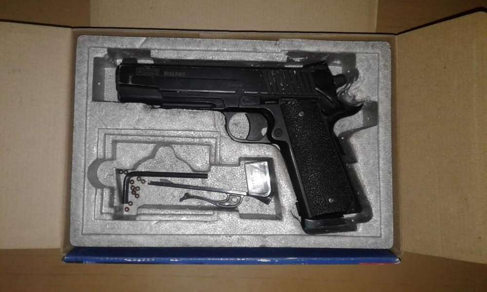 Pistola Co2 Full Metal Sig Sauer