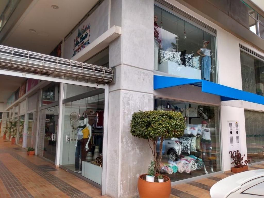 Venta local comercial llano grande sector complex