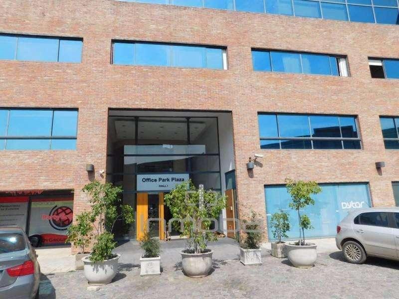 Cochera en venta en Edificio Office Park Plaza.