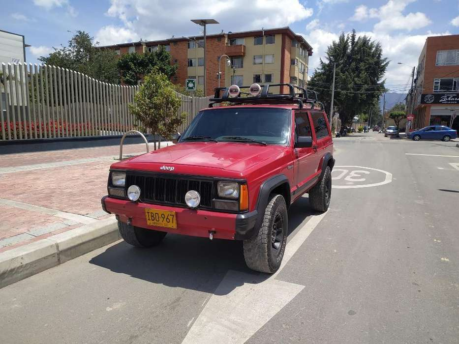 JEEP Cherokee 1995 - 200000 km
