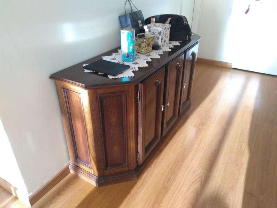 Mueble de madera Excelente