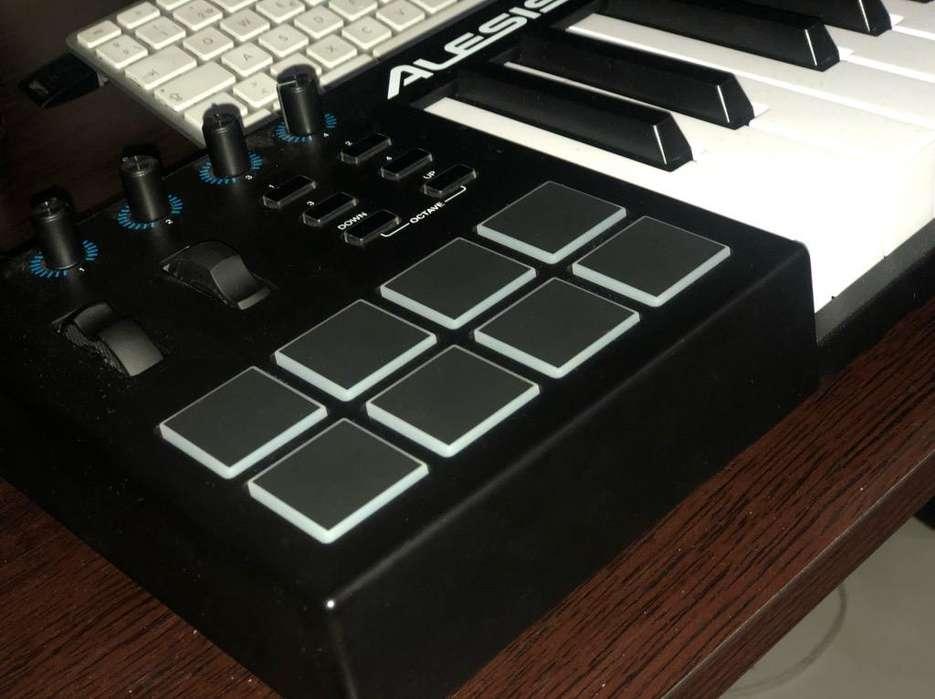 Controlador Piano Midi Alesis V49