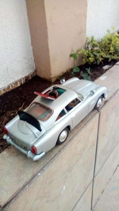 Carro Aston Martin 007 Hojalata Japon