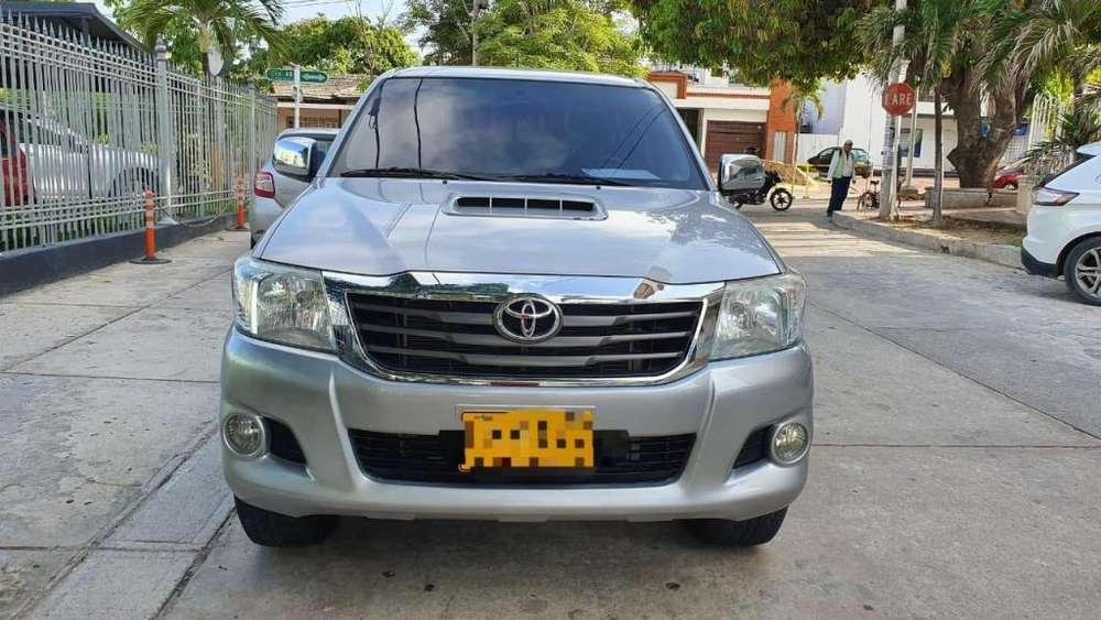 Toyota Hilux 2015 - 64000 km