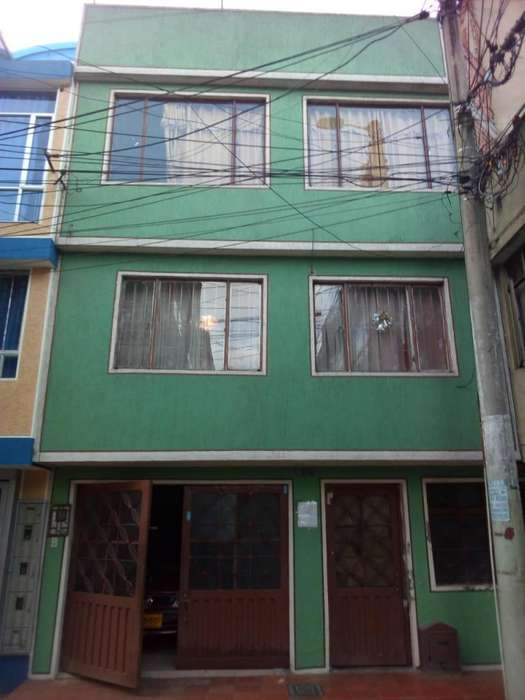 Venta Casa cerca estación metro