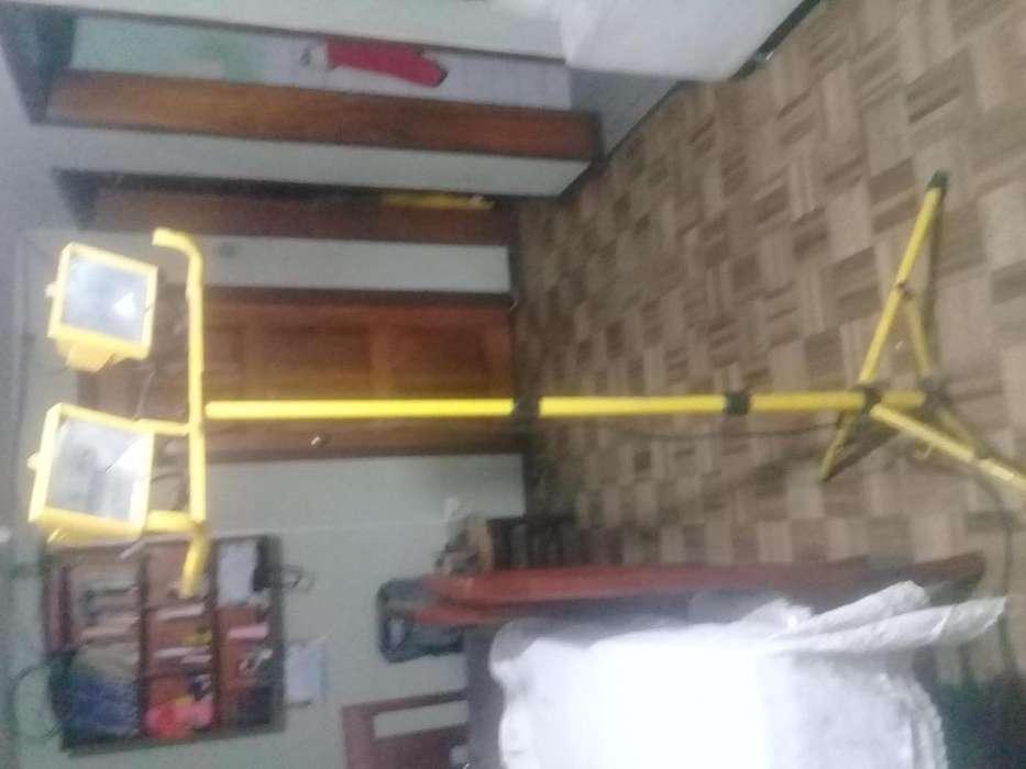 lampara tripode