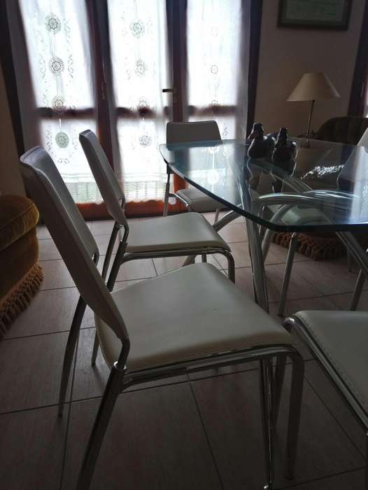 Juego cocina/<strong>comedor</strong> mesa de patas de acero y base vidrio templado mas 6 sillas
