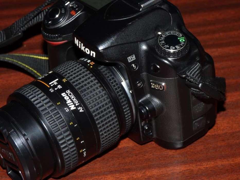 Camara Nikon D80