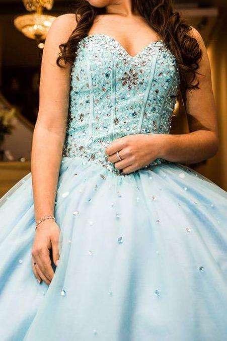 Vestido Largo de 15 con corona incluida
