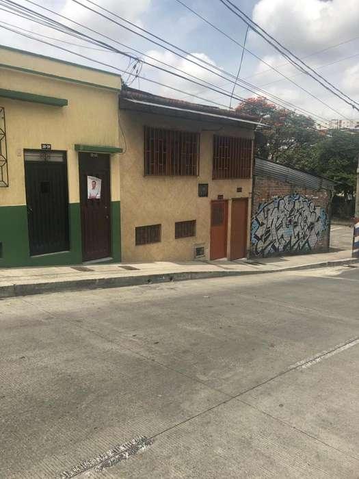 Casa 2 Pisos Muy Central, Buena Renta, Muy Buen Transporte Sin intermediarios
