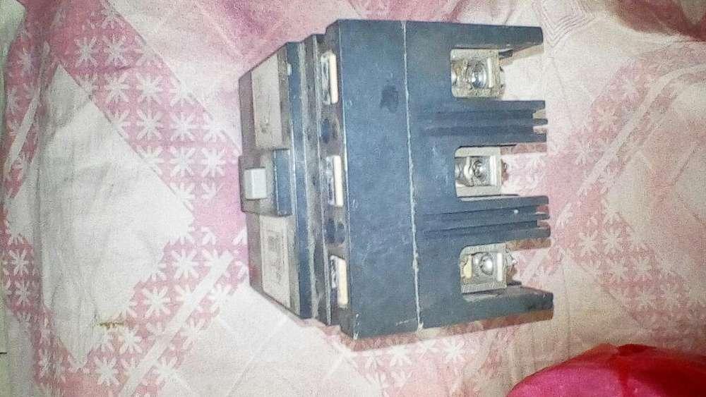 Breeker Trifasico 3x100 Amp (3128251010)
