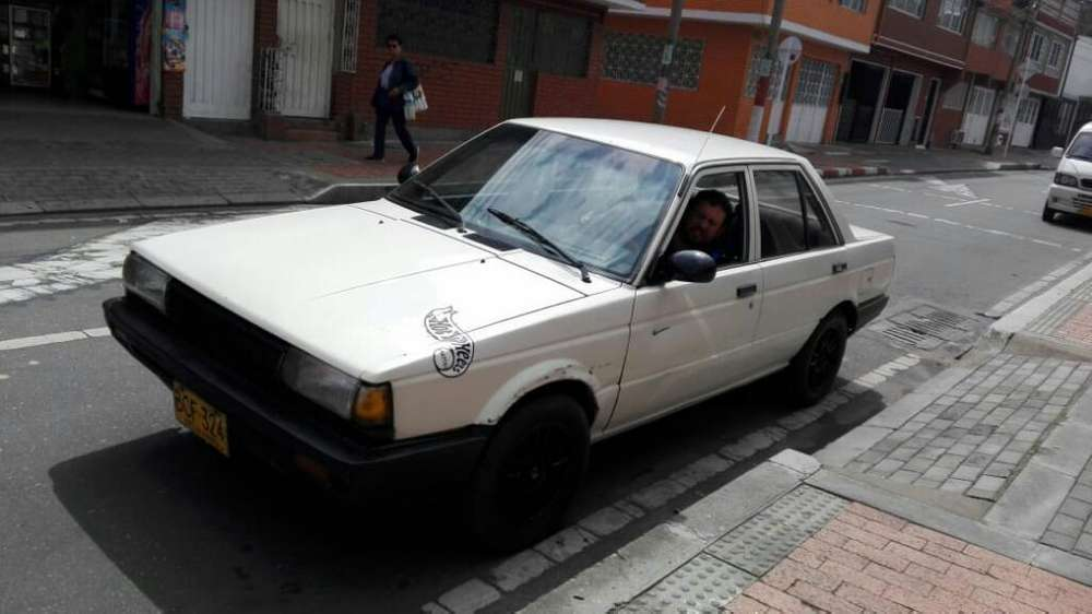 Nissan Sunny  1993 - 380000 km