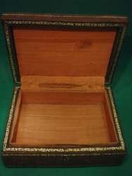 Caja Antigua De Madera Y Cuero Repujado Para Cigarros