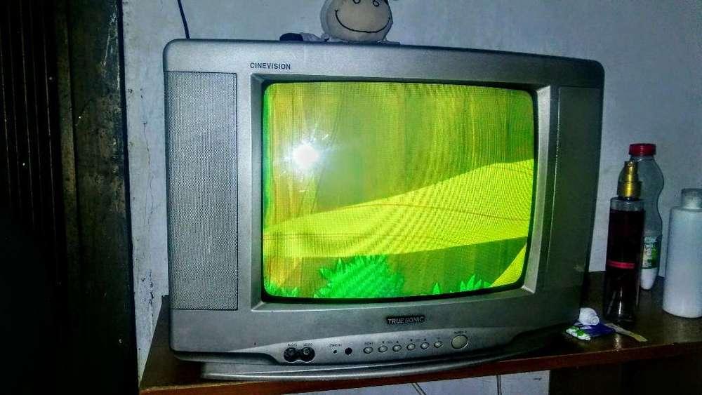 <strong>televisor</strong> Pequeño