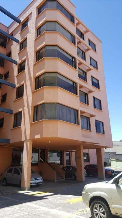 Departamento de 3 dormitorios. Excelente ubicación sector Río Coca.