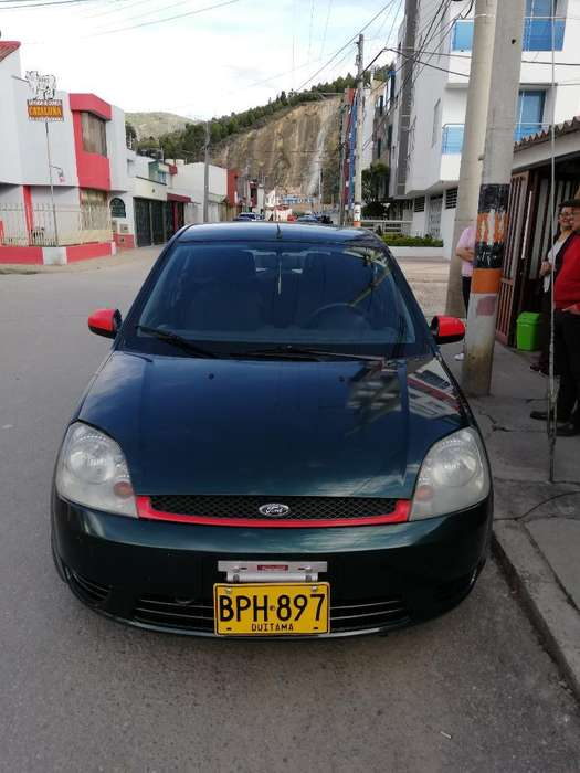 <strong>ford</strong> Fiesta  2005 - 196000 km