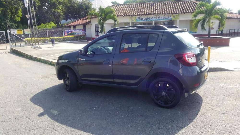 <strong>renault</strong> Sandero Stepway 2018 - 7900 km