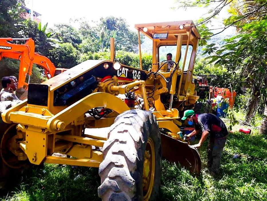 VENTA RAPIDA motoniveladora CATERPILLAR 12G Negociable