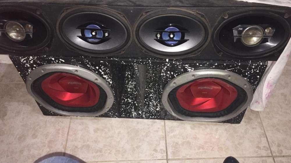Audio 2 bajos 4 medios una planta sony