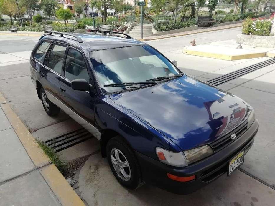 Toyota Corolla 1998 - 900 km