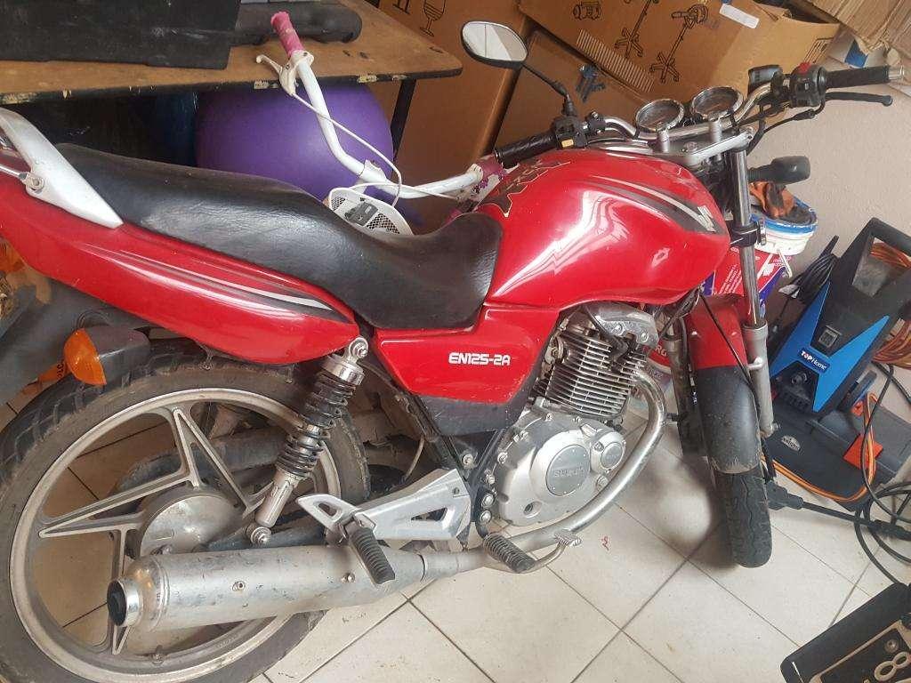 Suzuki en 125 2013