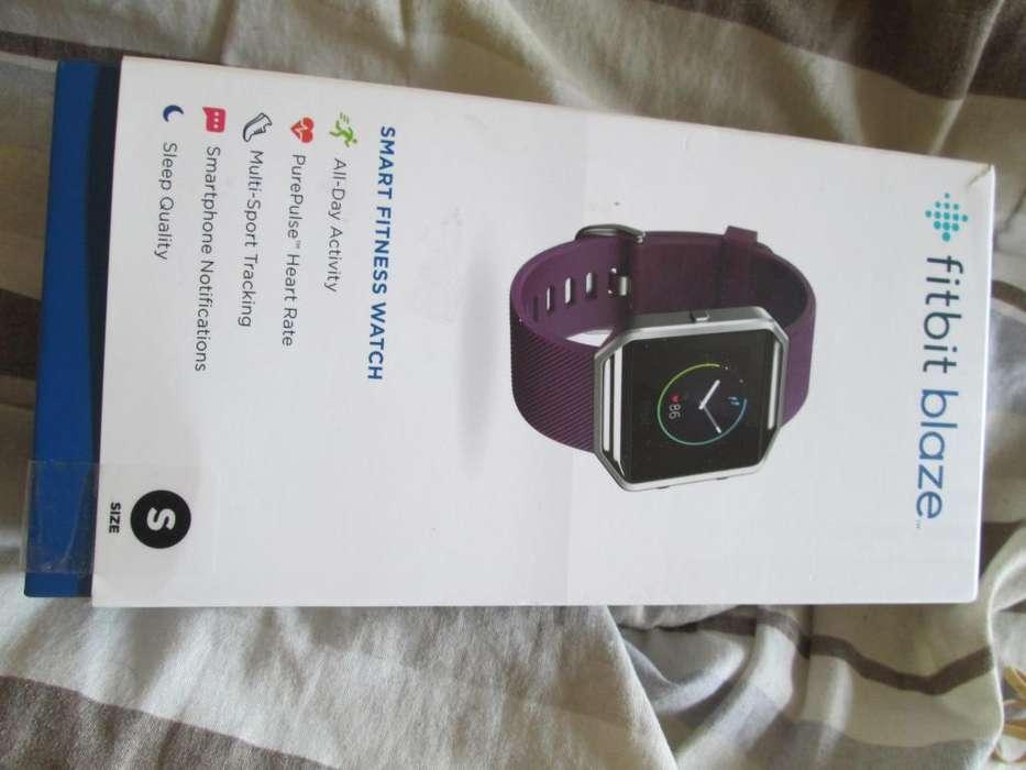 Fitbit Blaze Smart Watch Reloj Talle Small con dos correas Large, azul y negra traido de USA